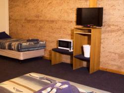 images/small-family-room-gallery/2-small-family-room-norseman-great-western-motel.jpg